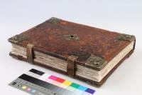 Graduál z počátku 16. století s precizně restaurovanou vazbou. Dostupné v digitální knihovně Manuscriptorium.