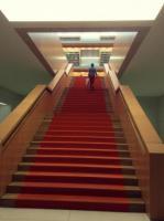 Schodiště ve Státní knihovně v Berlíně (Unter den Linden)
