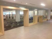 Columbus Metropolitan Library - vstup do oddělení pro dospělé a pro děti je výškově odlišený