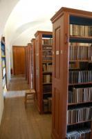 Depozitář benediktinské knihovny