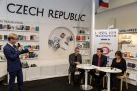 Frankfurtský knižní veletrh v roce 2018- na snímku Jörg Plath, literární kritik; Thomas Geiger, poradce projektu; Radka Denemarková, spisovatelka, foto: Pavel Němec