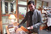 Charitativní antikvariát v roce 2019 podpořil besedou i prodejem své nové knihy spisovatel Jan Němec
