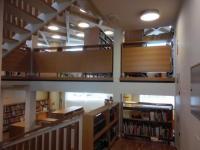 Interiéry knihovny v Grosuplje