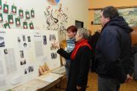 Doprovodnou akcí byla také výstava instalovaná v jedné z učeben školy.
