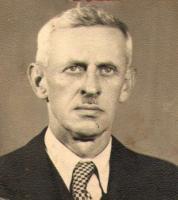 Karel Jašek byl knihovníkem v Lysicích od založení knihovny až do roku 1950.