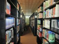 Knihovna Filozofické fakulty v Záhřebu - železné police