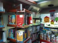 Knihovna Nova Gorica - interiéry bibliobusu