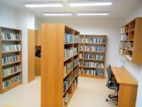 Nové regály v Obecní knihovně Křtěnov (okres Blansko, 220 obyv.), foto: Pavel Bartoš