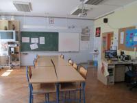 Školní knihovna TGM Končenice v knihovně se koná i výuka chorvatského jazyka