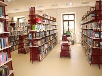 Městská knihovna Znojmo - výpůjční oddělení s volným výběrem