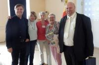 V.Richter,D.Wimmerová,M.Kodýmová,Z.Houšková a pan starosta Hroznětína Martin Maleček, foto: Jan Kolofík