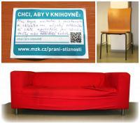 Židle a pohovka na odkládání v šatně